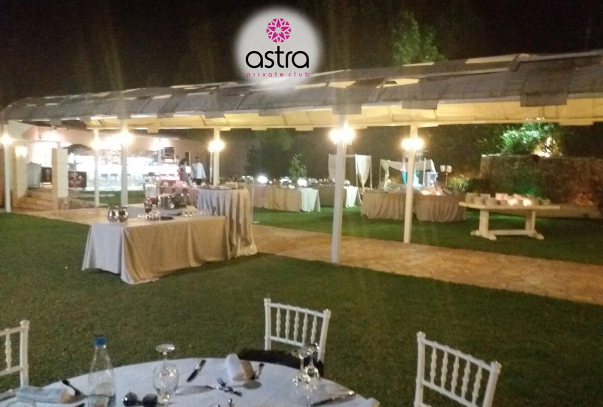 Βραδιές που μυρίζουν καλοκαίρι στο Astra private club